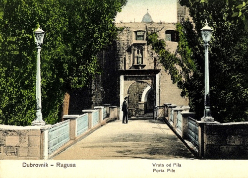 Pile gate, photograph from 1910