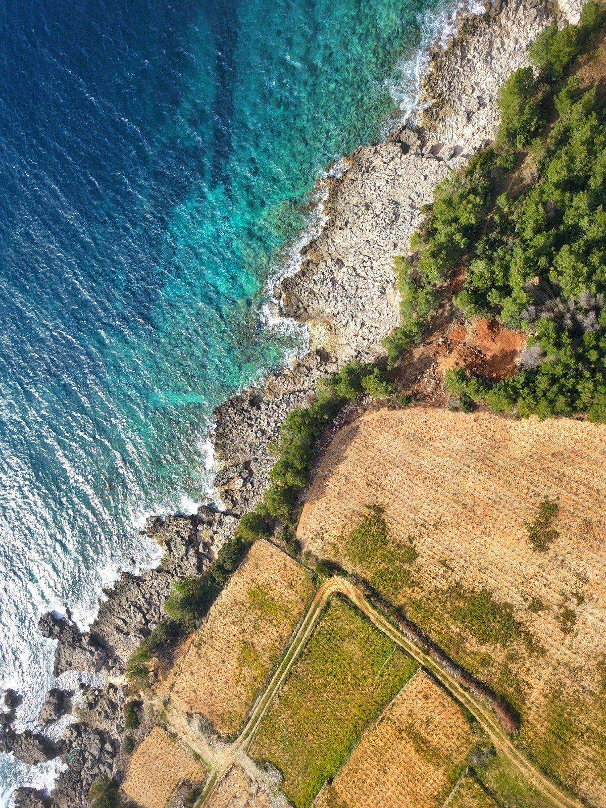 aerial image of the coastline at Pelješac